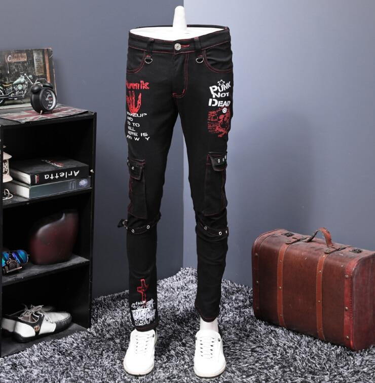 Europeo di design Autunno e Inverno Nuovo Nero Stampato Jeans Dei Pantaloni degli uomini Del Piede Sottile Dritto-in Pantaloni da tuta da Abbigliamento da uomo su  Gruppo 1