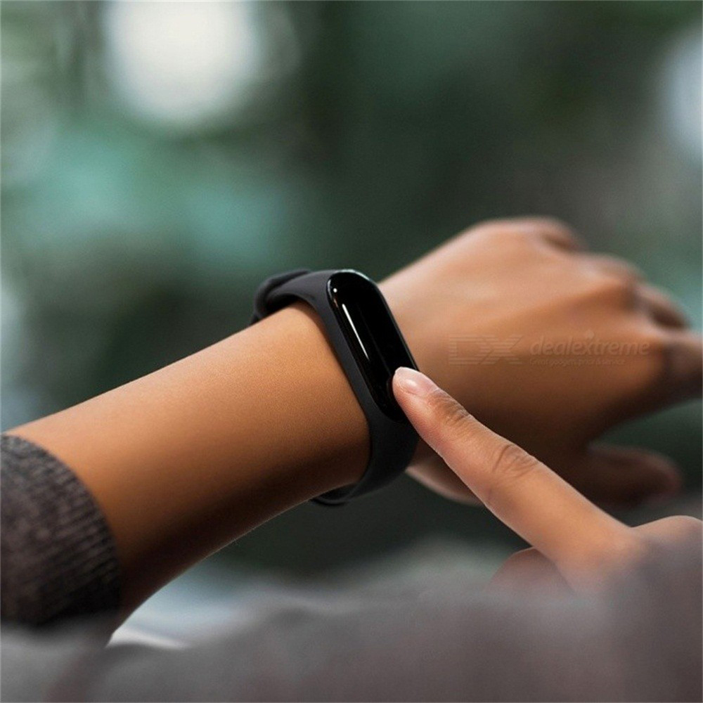 Image 4 - Global Version Xiaomi Mi Band 3 Miband 3 Smart Tracker Band Instant Message 5ATM Waterproof OLED Touch Screen Mi Band 3-in Smart Wristbands from Consumer Electronics
