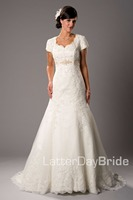 2019 Lace Trumpet Modest Wedding Dresses With Short Sleeves Long Beaded Tulle Women Country Western Modest Bridal Gowns Couture