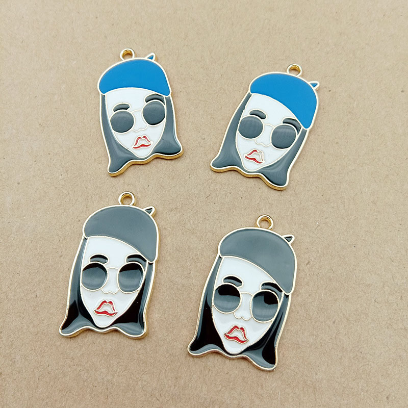 10 Pcs/lot Fashion Cool Girl Enamel Charms Drop Oil Beaut Charms Metal Pendant Earring Jewelry DIY Accessory Handmade YZ195