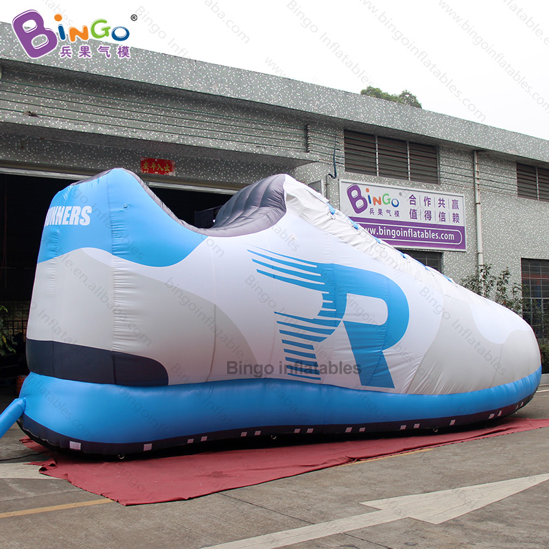 Capable Personalized 26 Feet Length Giant Inflatable Shoe / Inflatable Shoes / 8m Inflatable Shoe Balloon For Decoration Toys Latest Technology