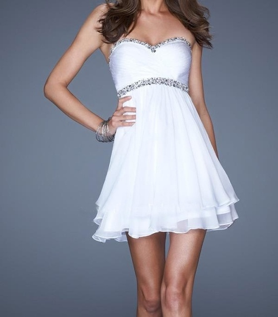 Romantic Cheap Short Chiffon White Cocktail Dresses  With Open Back Short Cotail Gowns New Fashion