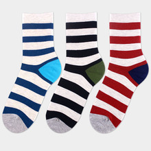 2016 New design high quality cotton spring autumn fashion contrast color wide stripes brand men casual socks
