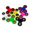 НОВЫЕ Цветные Пластиковые Tri-Spinner Игрушка Непоседа Стальных Несущих EDC Непоседа Рук Блесны Для Аутизма/Детей С СДВГ Взрослых подарок-48