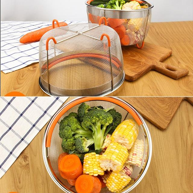 Steaming Basket with Silicone Handle
