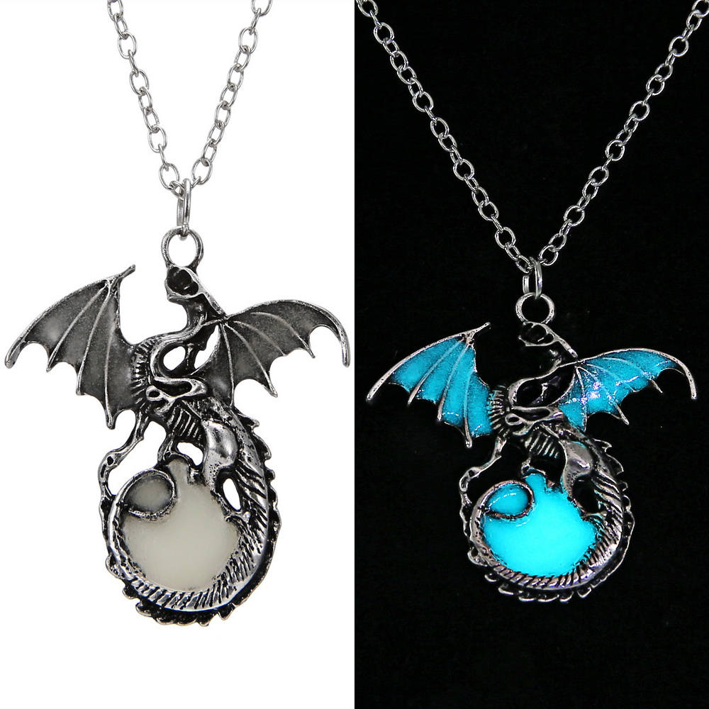 Game of Throne Jewelry Glow In The Dark Necklace Punk Dragon Necklaces For Woman Man Pendants Fluorescence Accessories Vintage 4