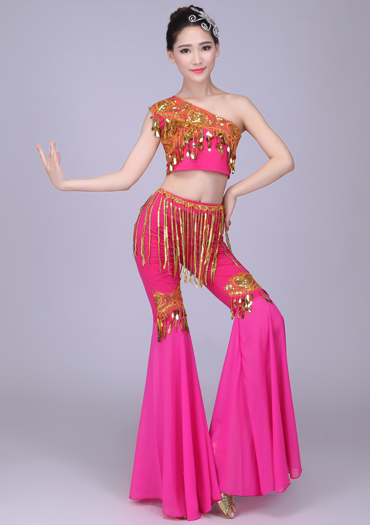 Nuevo chino tradicional danza del pavo real de las mujeres folk ...