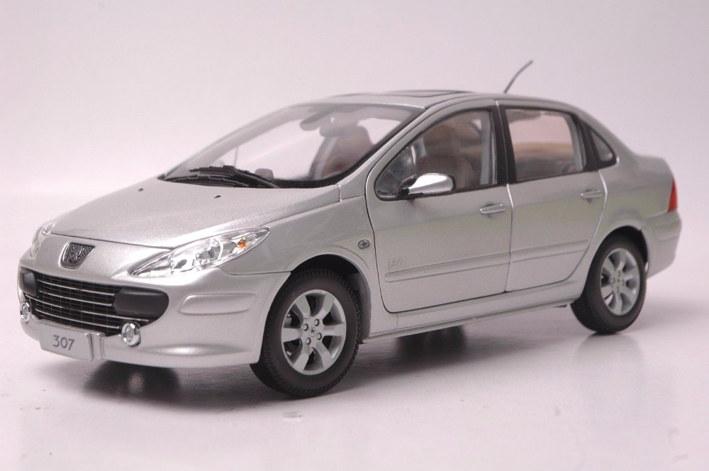 1:18 Diecast Model for Peugeot 307 Silver Sedan Alloy Toy Car Miniature Collection Gift 1 18 diecast model for mazda mx 5 red roadstar alloy toy car miniature collection gift mx5 mx