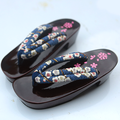 2017 Del Verano Sandalias de las mujeres 3 colores Zapatillas De Madera Zuecos Geta Japonés Cosplay Mujer Bench Geta Zapatillas Planas Del Talón Del Zapato