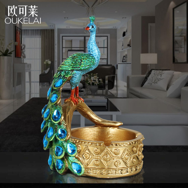 European Restaurant Bar KTV Resin Personality Large Peacock Ashtray Ornaments Birthday Gift
