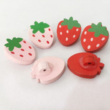 100pcs/lot New Lovely Strawberry Fruit Style 2 Holes Wood Painting Sewing Buttons Scrapbooking 22x17m Craft MS 002
