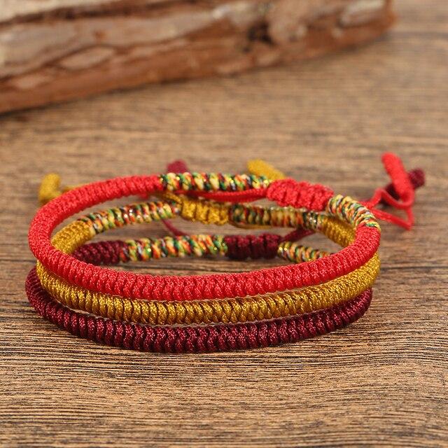 d5a8bd4fd672 Pulsera multicolor hecha a mano tibetana budista pulsera trenzada nudo  Lucky Red Rope brazalete para hombres
