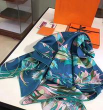 2017 Nova Marca de Moda Sarja Lenço De Seda Das Mulheres Lenços Senhora Pássaro Paraíso Bainha Artesanal Bandana Headband Hairwear 140*140 cm