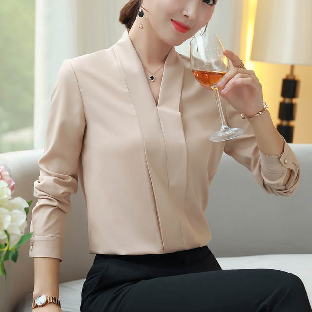 5fca63225e placeholder 2018 Printemps mode Sexy Col V chemise femmes OL Carrière  tempérament formelles chemisier en mousseline à