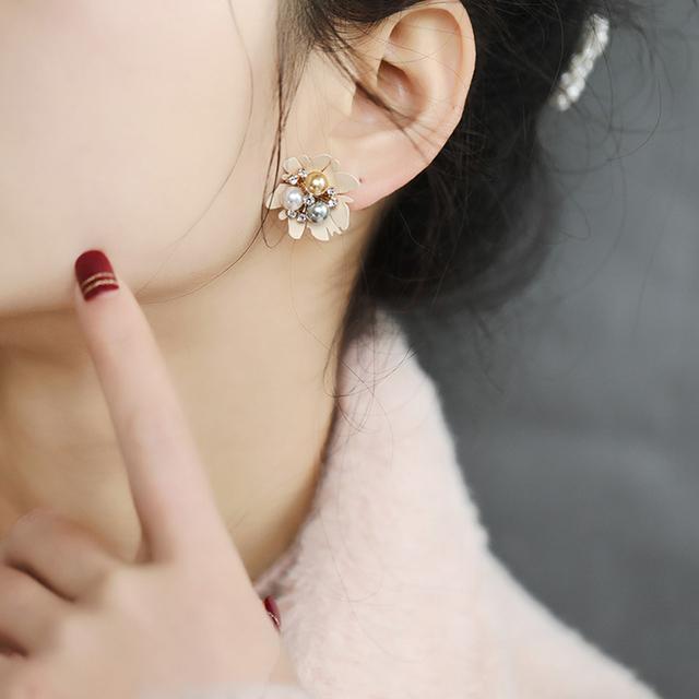 Seven Candy Pearl Flower Earrings For Women