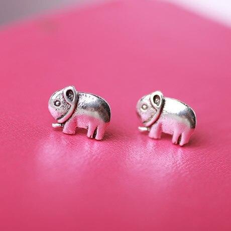 European elephant stud earrings for women made by alloy Cute elephant vintage earrings women Animal elephant earrings wholesale