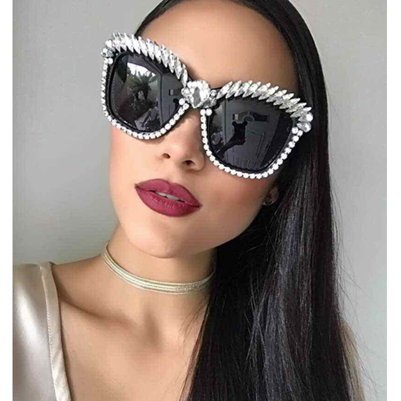 MONIQUE Occhio di Gatto Occhiali Da Sole Donne Del Progettista di Marca di Lusso di Cristallo Sexy Occhiali Da Sole di Strass di Modo Shades Oculos De Sol Feminino