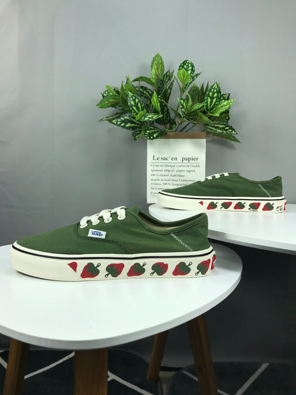 vans authentic strawberry green
