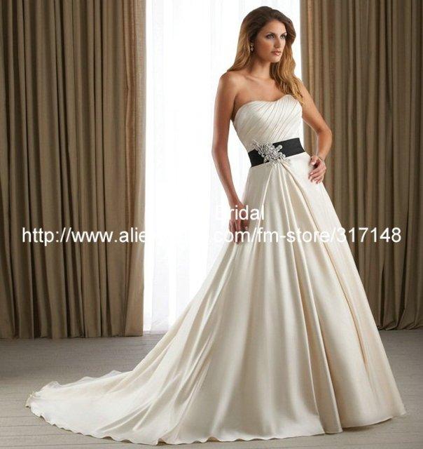 Liqued Strapless Long Tail Black And White A Line Royal Wedding Dress Dv003