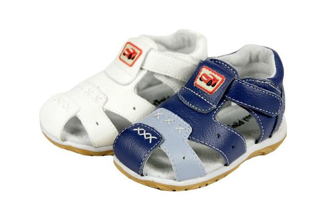 Ganado con envío gratis sandalias de cuero genuino niño niños masculinos de los zapatos de bebé sandalias de playa niños sandalias niña niños calzado