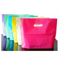 I'mfine بالجملة! الملونة أكياس تخزين بلاستيكية مع مقبض الوردي بوتيك الملابس هدية كيس التغليف