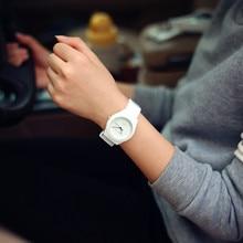 Diseñador de Las Mujeres De Silicona Relojes de Goma Del Ocio de Señoras Reloj De Pulsera Más Popular Mujer Vogue Girls Relojes Montre Femme