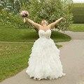 Em Estoque vestido de noiva Espartilho Vestidos de Noiva Robe de Mariee Organza Frisado Ruffled Querida vestido de Noiva 2017 Plus Size