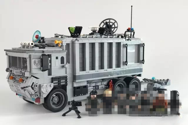 New 1628pcs 2in1 Swat Command Center Police Truck Building Block Brick Compaitble Lepins Figures Toy new in box toy story spaceship command center playset nice gift