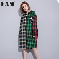 EAM 2017 New Autumn Lapel Long Sleeve Hit Color Black Green Plaid Split Joint Loose