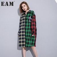 EAM 2017 New Autumn Lapel Long Sleeve Hit Color Black Green Plaid Split Joint Loose