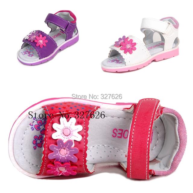 Em venda 1 par de sandálias de couro crianças sapatos, Super qualidade crianças ao ar livre sapatos ortopédicos