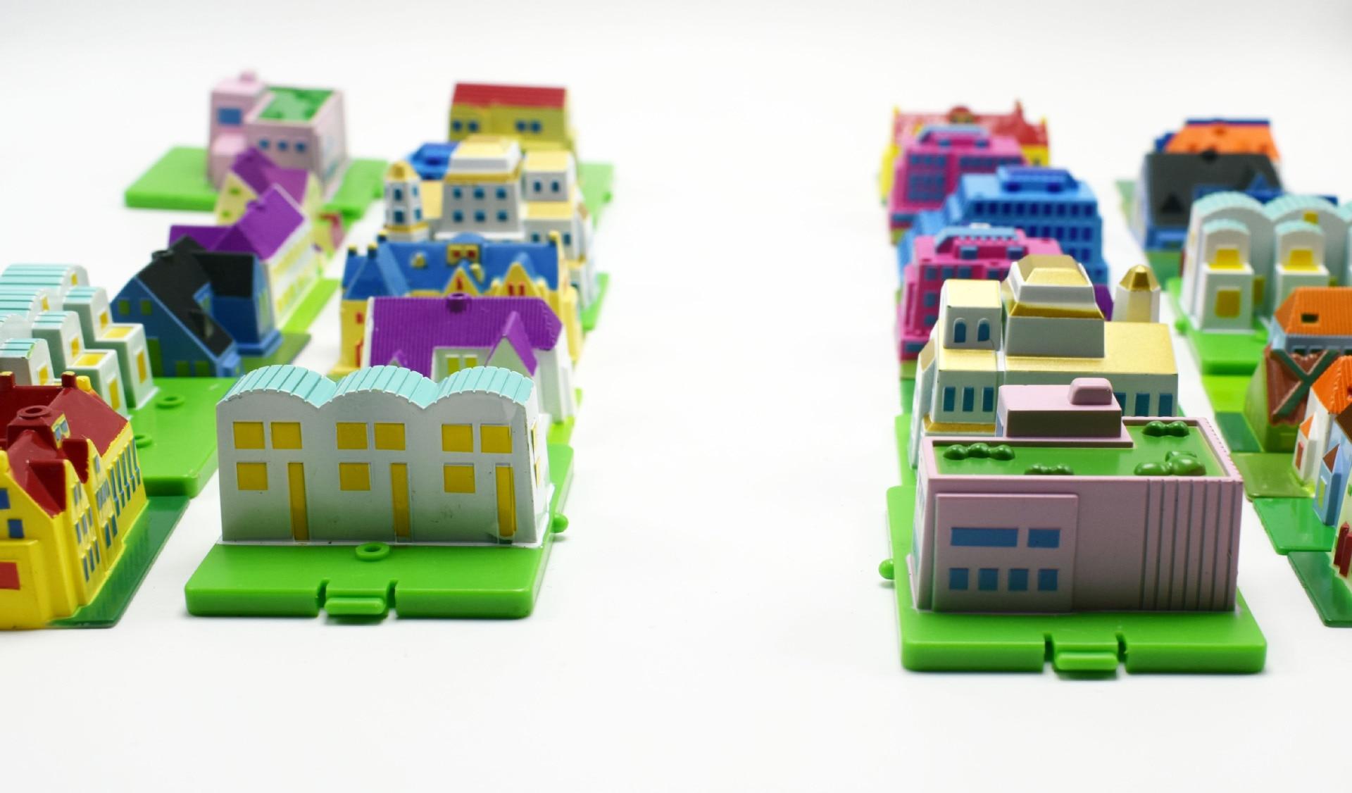 Wilscoil 5pcs Set Random New Plastic Small House Model Building
