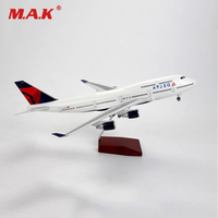 1:150 Scale Diecast Airplane Model Delta Air Aircraft Boeing 747 Model Airliner Toys with LED Model for Fans Collection Gifts