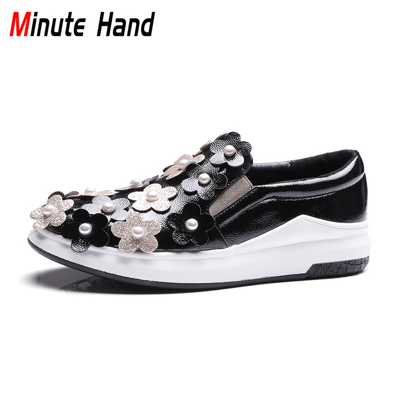 Minute Hand 2018 Fashion Women 3D Flower Platform Flats Pearl Slip On Loafers Round Toe Casual Shoes Patent Leather Big Size 43 new round toe slip on women loafers fashion bow patent leather women flat shoes ladies casual flats big size 34 43 women oxfords