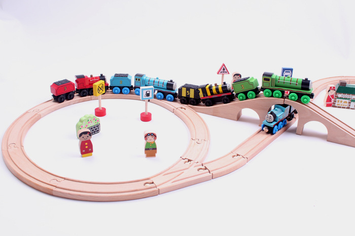 Thomas train track wooden toy train rail track changeable wooden track figure 8 for best Christmas gift Kids Toys In Stock