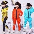 2015 Primavera Bebê Menina conjuntos de Roupas de Esportes Das Meninas terno 2 pçs/set Crianças Agasalho Crianças se adapte roupas Casuais Denim Patchwork