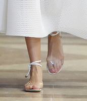 2016 Fashion Week Celebrity Women Ankle Cross Straps Flat Shoes Transparent Summer Sandals Hand Made Classic