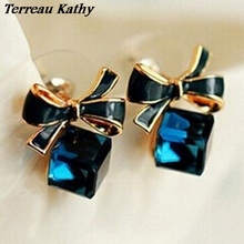 Terreau Kathy Fashion 2016 Chic Shimmer Plated Gold Bow Cubic Crystal Earrings Rhinestone Stud Earrings For