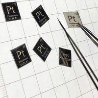 Folha periódica esculpida 10*10 * 99.95% mm da tabela do elemento do pt do metal da platina da pureza alta 0.1 Peças de ferramentas     -