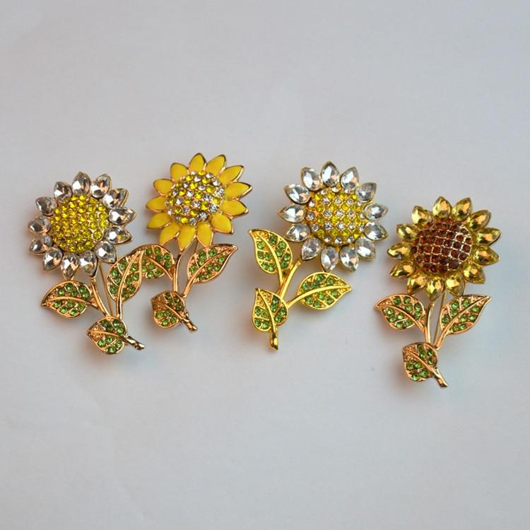 Stylish Beautiful Black Flower Lapel Pin: New Arrivals Fashion Rhinestone Brooch Lapel Pin Gold