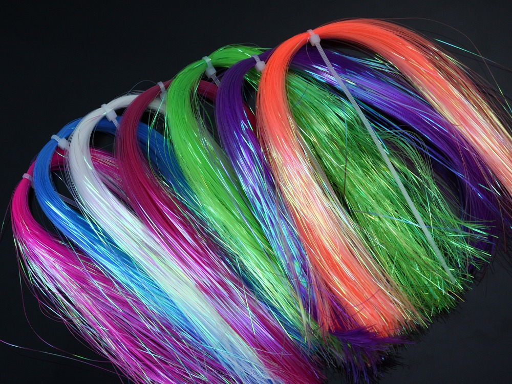 "Dyed-Pearl Flashabou Hedron Fly Tying Materials; Disponible en 7 colores, 1/69 ""de ancho por 12"" de largo."