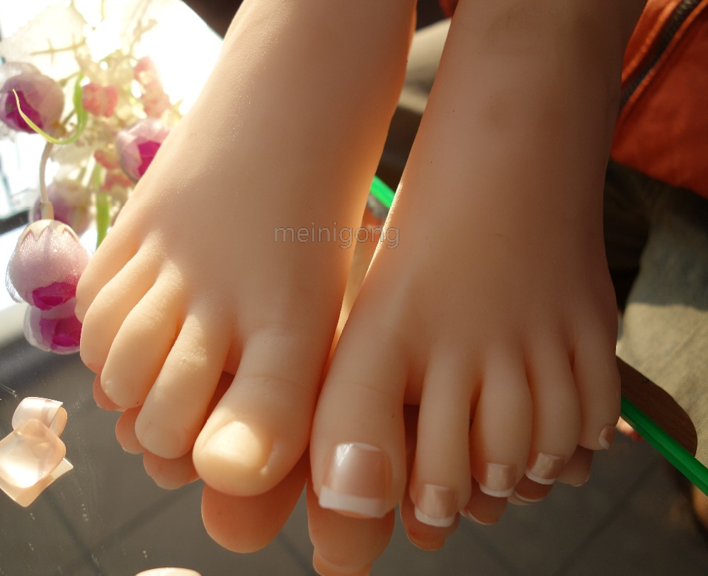 Ladys Realistic Silicone Lifelike Soft Mannequin Foot Model, Sexy Vivid Silicone Female  Foot Shoes Display Model PropLadys Realistic Silicone Lifelike Soft Mannequin Foot Model, Sexy Vivid Silicone Female  Foot Shoes Display Model Prop