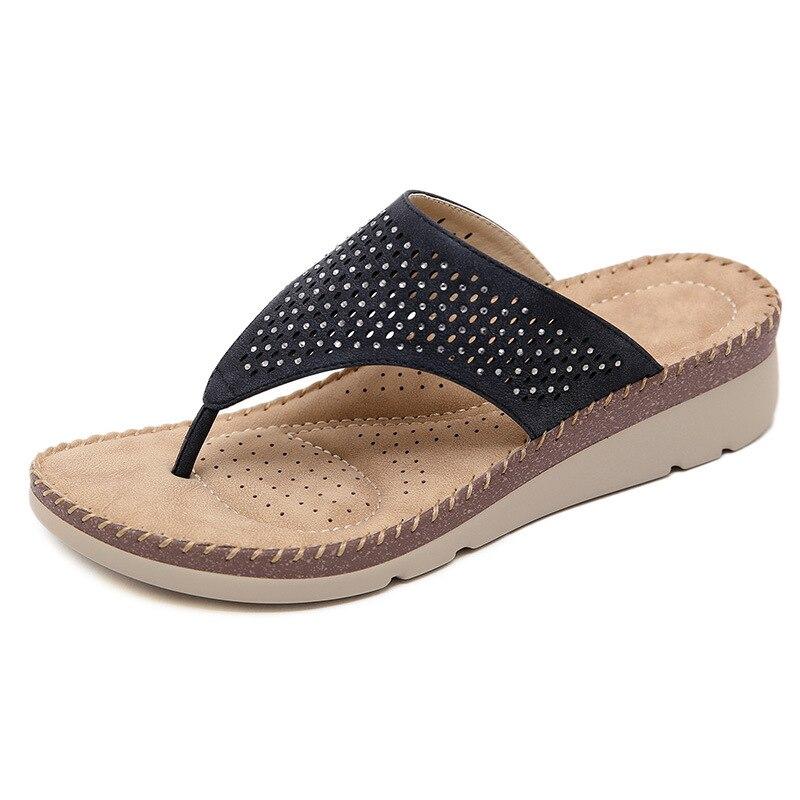 2019 Sommer Strand Frauen Plattform Flip-flops Slip Auf Keile Faux Strass Solide Hausschuhe Dame Casual Mode Schuhe Xwz5399 äRger LöSchen Und Durst LöSchen