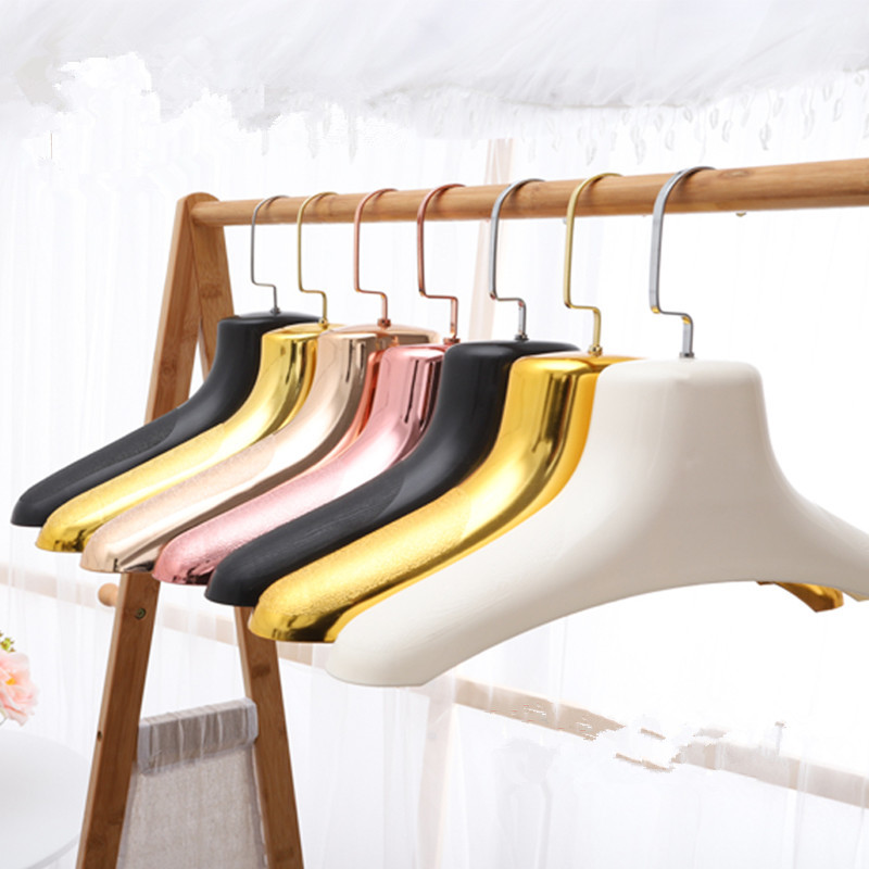 4 colors hanging retailer plastic drying Fur clothes rack non slide display bright Hanger for storage