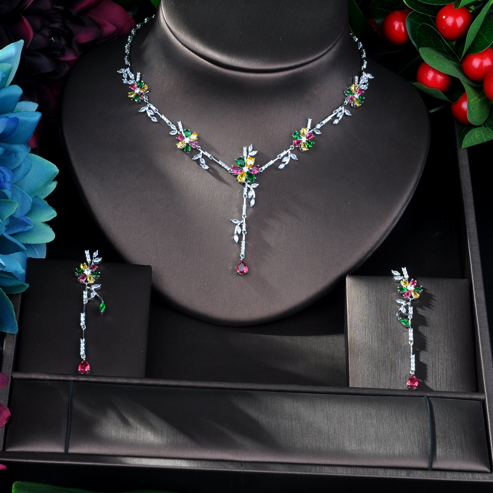 Image 2 - HIBRIDE New Arrival Cubic Zirconia Flower Leaf Necklace Pendant  and Earring 2pcs Set for Women Fashion Jewelry Bijoux femme N 58Jewelry  Sets