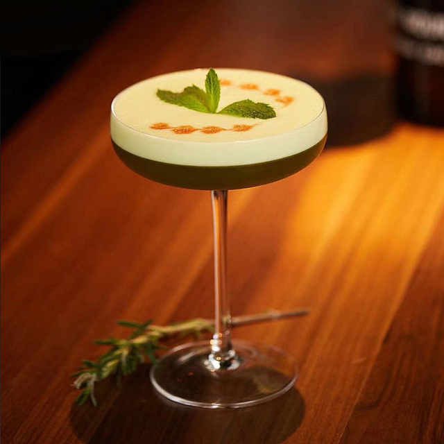 Elegant Eco-Friendly Transparent Martini Glasses Set