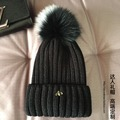Sombrero de lana bulbo piloso zorro de metal decorativos cálido sombrero femenino