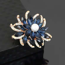 Utei Jewelry Elegant Crystal Flower Brooch Luxury Gold Color Floral Wedding Bridal Bouquet Broach Pin Women Jewelry Accessories