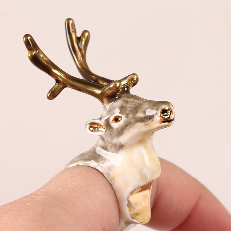 все цены на Fashion Women's Luxury Ring European Original Classic Reindeer Hatch Ring Enamel Glaze Animal Ornaments Party Jewelry