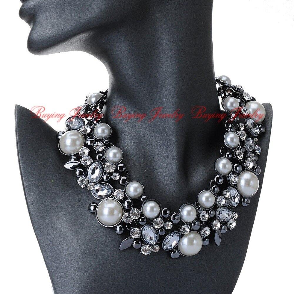 White Pearl Pendant Necklace